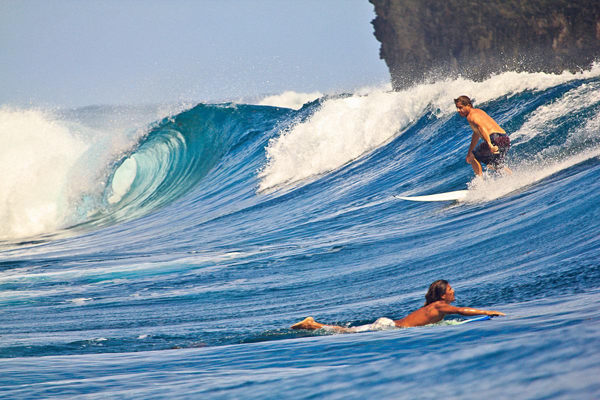 siargao waves